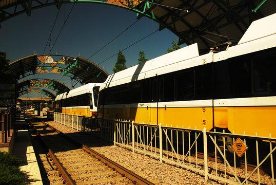A Dallas DART train rolls into a station