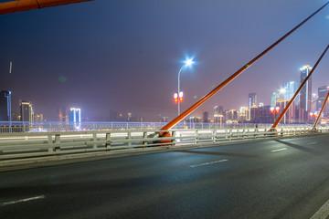 Fotomurales - Expressway on Yangtze River Bridge and Modern City Scenery in Chongqing, China