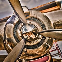 avion moteur hélice couleur vieux turbine chrome inox ancien aviation voyage