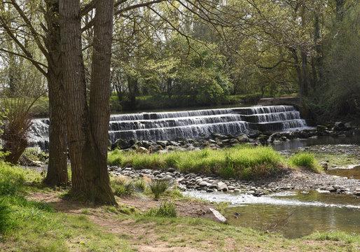 Cascade sur rivière  Carbonne  31
