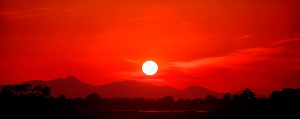Fotorollo Rot Sunset Near Marsala, Sicily