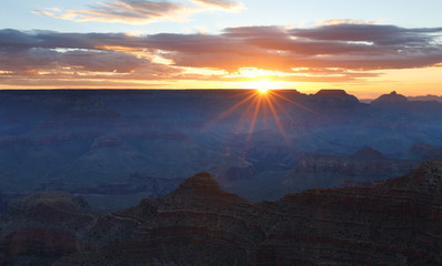 Wall Mural - Sunrise at Mather Point, Grant Canyon National Park, Arizona, USA.