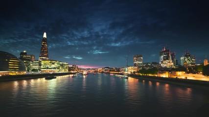 Fototapete - hyper lapse of sunset, London skyline from the Tower Bridge, UK