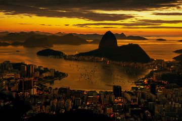 Fotomurales - Rio de Janeiro city at sunset, Brazil