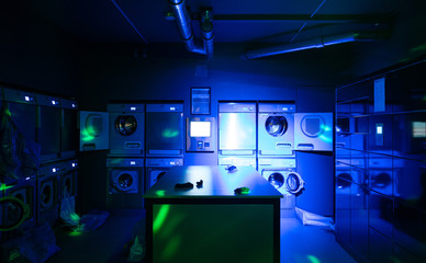 vaporwave laundromat Amsterdam