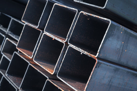 Stacked rolled metal products, steel pipes