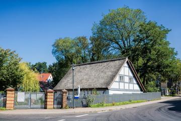 Fotomurales - ferch, deutschland - dorf mit historischem fachwerkhaus