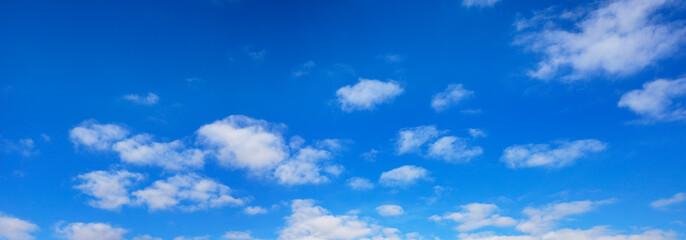 綺麗な青空と白い雲