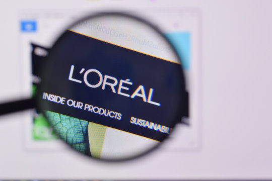Homepage of loreal paris website on the display of PC, url - loreal.com.