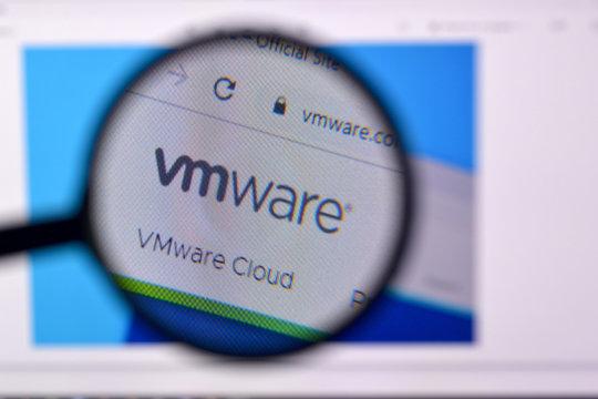 Homepage of vmware website on the display of PC, url - vmware.com.