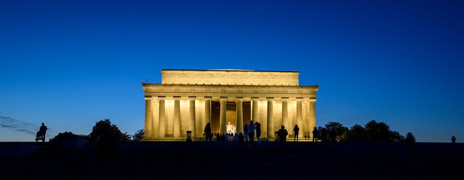 Washington DC, United States: Abraham Lincoln Memorial at night.