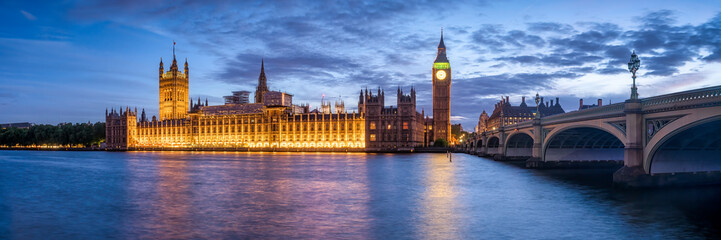Photo sur Plexiglas Londres Panoramic view of the Palace of Westminster and Big Ben