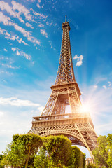 Poster Eiffel Tower The Eiffel Tower in Paris on a beautiful sunny summer day at sunset