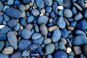 Stores à enrouleur Zen pierres a sable stone background. pebbles on the beach