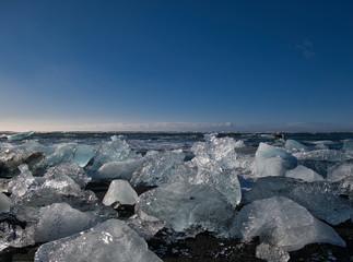 Große Eisbrocken vom Gletscher am Diamantenstrand