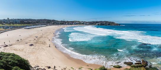 Autocollant pour porte Plage Panorama vocation view of Bondi beach in summer with blue sky, Australia
