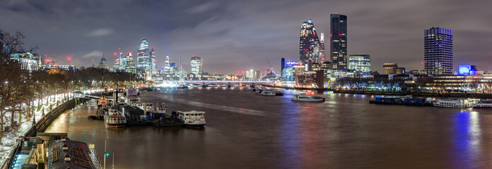 City of London and Southbank, night view over river Thames from the Waterloo Bridge Fototapete