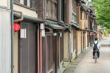 Fototapete - Old street in historical city Kanazawa, Japan