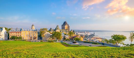 Fotobehang Oude gebouw Panoramic view of Quebec City skyline in Canada