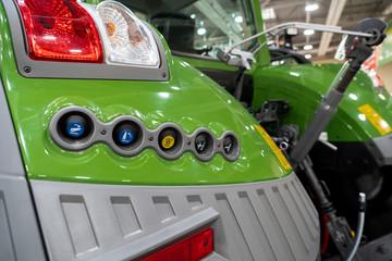 Etiqueta Engomada - Close up of tractor attachment control system