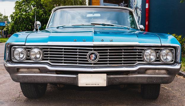 une voiture Buick Electra de 1964, France, Chalon-sur-Saône, le 18.05.2019