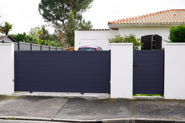 Aluminum metal gate of suburb house