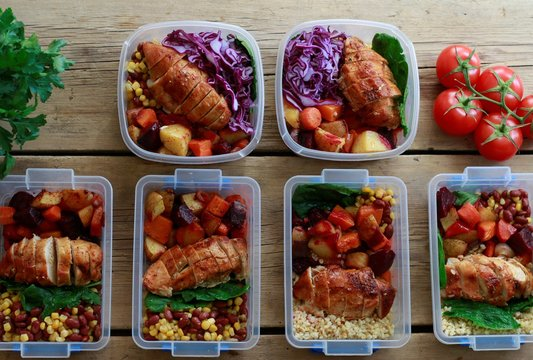 Healthy Meal Prep. Homemade vegan food. Reusable Takeaway Containers and Lunch Box. Packing a Zero Waste Lunch