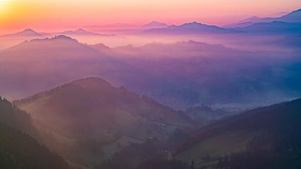 Stores à enrouleur Rose clair / pale Beautiful mountains at sunset against the purple sky