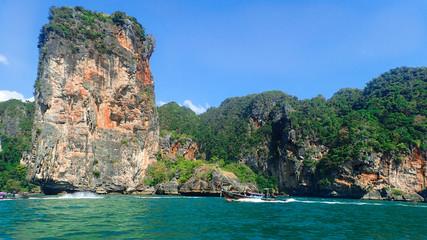 Krabi Tajlandia, Railay beach, plaża, woda, błekit, natura, łódka, raj, morze, klify, niebo,...