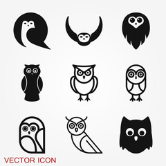 Owl icon. Vector images of owl on background.