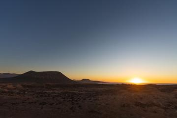 Sonnenuntergang auf den kanarischen inseln