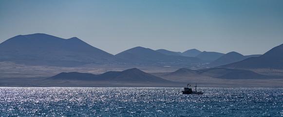 Fischerboot vor Lanzerote Kanaren