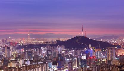 Foto op Aluminium Seoel View of Seoul City Skyline and Seoul Tower at Sunrise South Korea