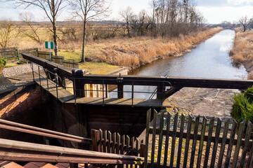 Fototapeta Śluza Dębowo. Kanał Augustowski. Biebrzański Park Narodowy. Rzeka Biebrza, Podlasie, Polska