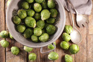 Fotobehang - raw brussels sprouts- top view