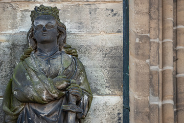 Papiers peints Europe de l Est Ancient statue portrait of a princess knight as gatekeeper in Magdeburg Cathedral as Magdeburg, Germany, closeup, details