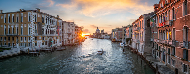 Panoramic view of the Grand Canal in Venice, Italy  Fototapete