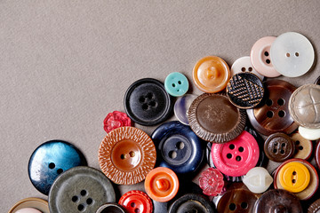 Photo sur Toile Macarons Background and texture of multicolored antique buttons