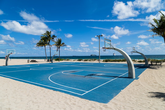 Empty Fort Lauderdale beach basketball court, because of coronavirus concerns.
