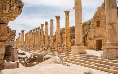 Jerash is the site of the ruins of the Greco-Roman city of Gerasa outside Amman, the capital of Jordan Fototapete