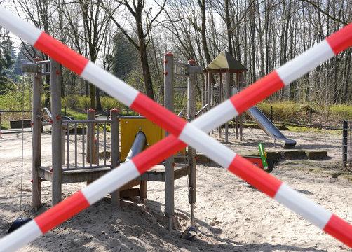 Spielen verboten Spielplatz gesperrt Coronavirus