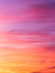 Photo sur Toile Rose banbon Ciel abstrait et flamboyant au coucher de soleil en hiver