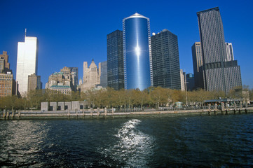 Fototapete - Wall Street from boat on water, NY