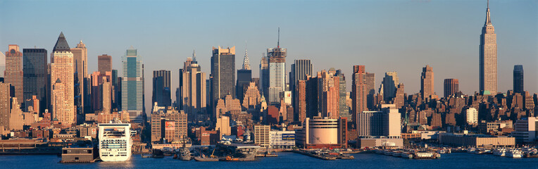 Wall Mural - Panoramic view of Empire State Building and Manhattan, NY skyline with Hudson River and harbor, shot from Weehawken, NJ