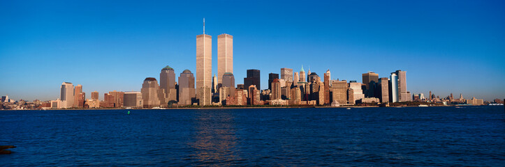 Wall Mural - Panoramic view of lower Manhattan and Hudson River, New York City skyline, NY with World Trade Towers at sunset