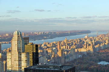Fototapete - Panoramic views of New York City and Hudson River at sunset looking toward Central Park from Rockefeller Square ÒTop of the RockÓ New York City, New York