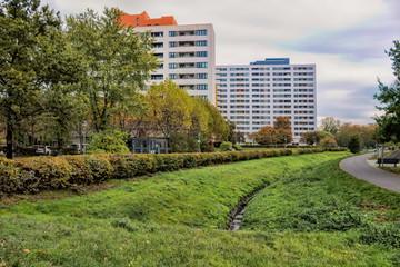 Fotomurales - berlin, deutschland - park im märkischen viertel