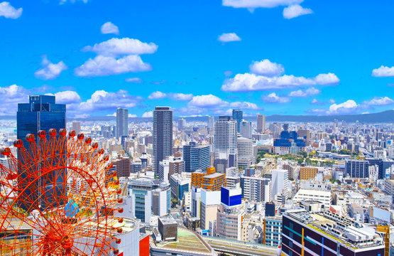 大阪府北区梅田の東に広がる繁華街の風景