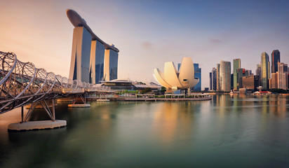 Fotomurales - Singapore skyline with skyscraper - Asia