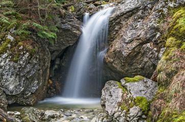 Kleiner Wasserfall im Martinsgraben Fototapete